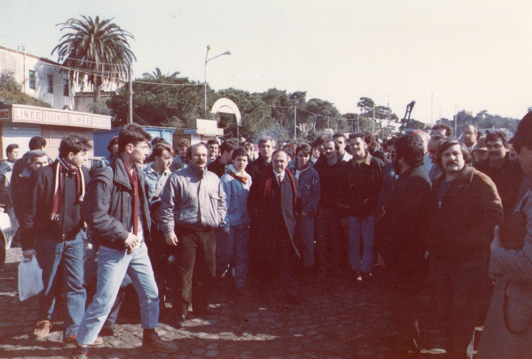 Il presidente Soglia con i tifosi al porto